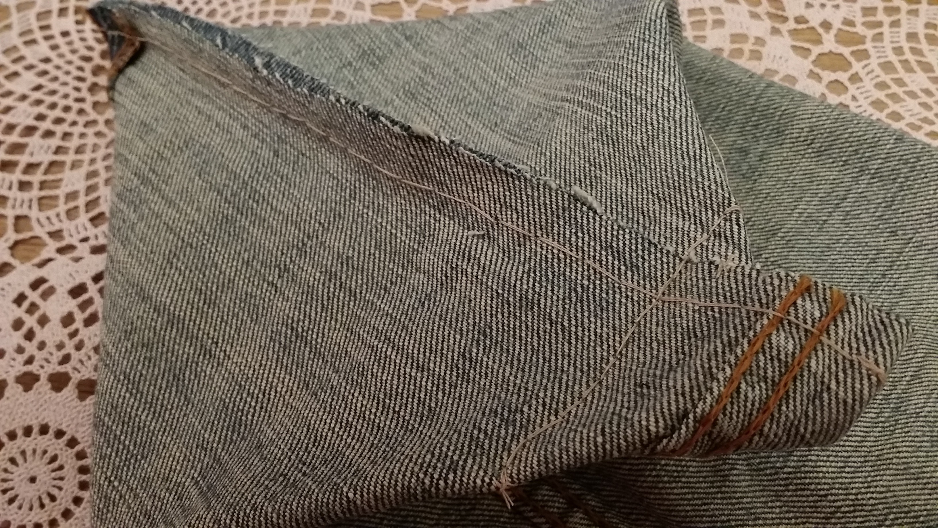 Tanya's 101 - Hand-sewn Denim Bag. Very easy!